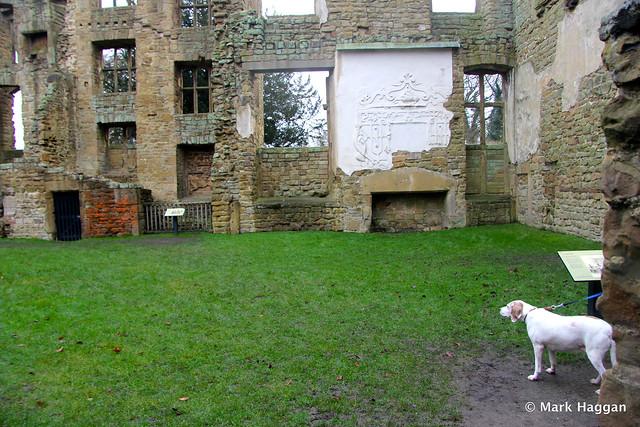 Berta Explores Old Hardwick Hall