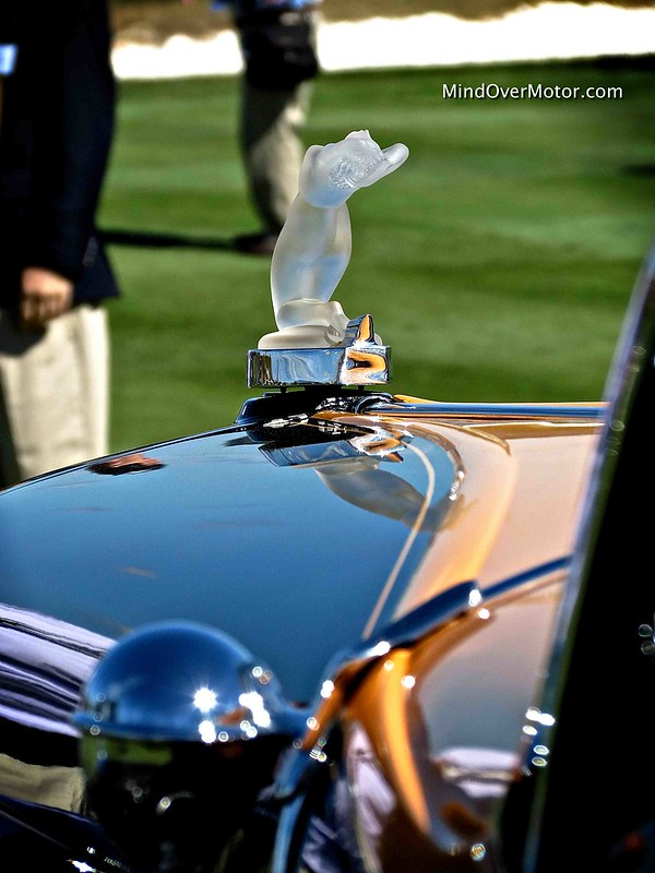 1932 Auburn 12-160A Boattail Speedster Crystal Woman Hood Ornament
