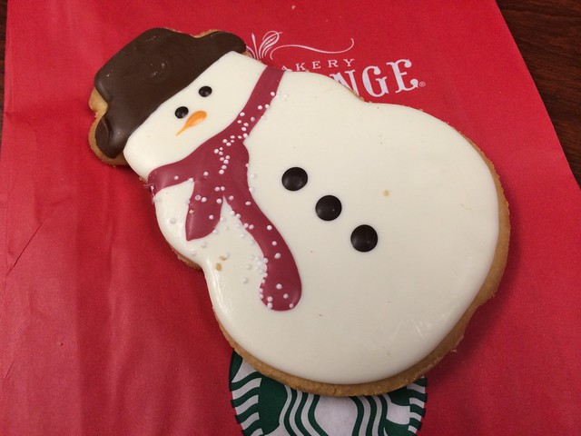 Frosted snowman cookie - Starbucks