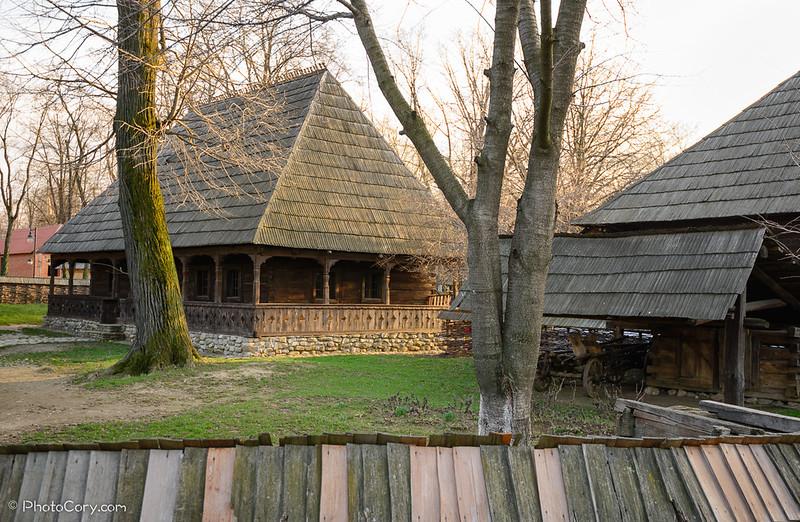 gospodarie in Muzeul Satului din capitala
