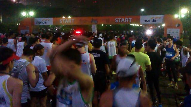 maraton jakarta start crop