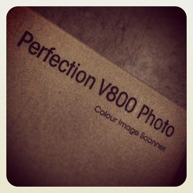 Epson V800 Scanner arrives!