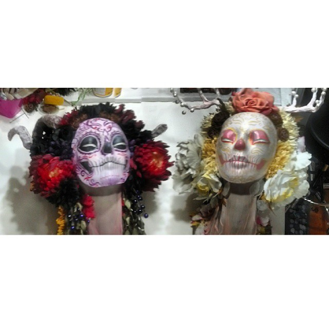 """Midnight Harvest"" and ""Morning Harvest"" would like to say ""Hello"". #muertita #art #diadelosmuertos"