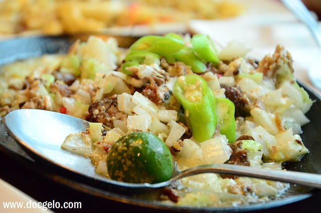 max's chicken sisig