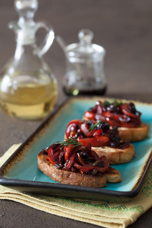 Red Pepper Olives Crostini 2