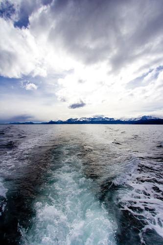 Ushuaia desde el Canal de Beagle