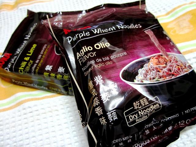 Purple wheat noodles