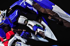 Metal Build 00 Gundam 7 Sword and MB 0 Raiser Review Unboxing (114)