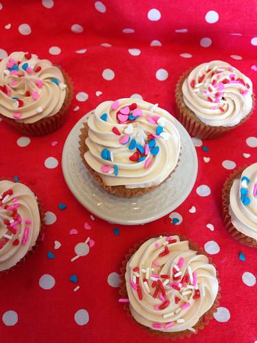 Vegan & soy free Valentine's Day cupcakes