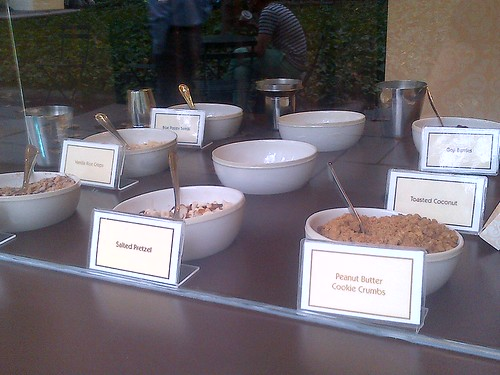 Magnum in Bryant Park: Pick your toppings