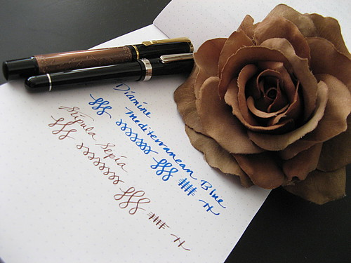 Platinum #3776MU and Baoer 8 Horses Pens