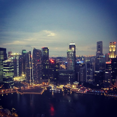 A view of the #singapore CBD seen from Marina Bay Sands by @MySoDotCom