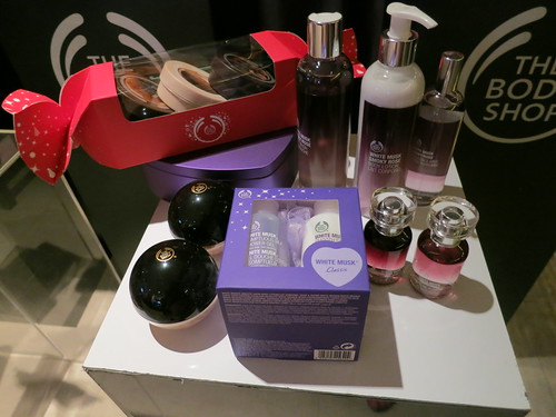 Singapore Beauty Blog, Beauty reviews, Beauty blogger, nadnut, Singapore Lifestyle Blog, Christmas Ideas, Last minute Christmas ideas, Bodyshop Gift sets