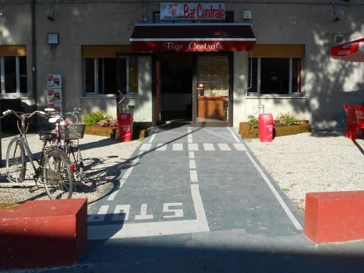 pista ciclabile e strisce pedonali, Bar Centrale, Concadirame, Rovigo