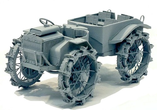 Plus Models trattrice Pavesi P4