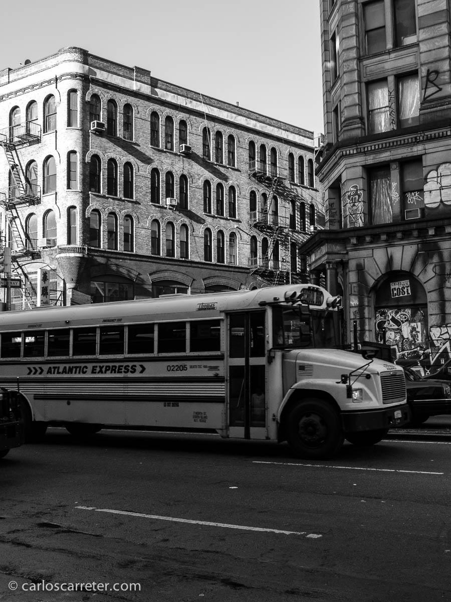 Transporte Scholar en Bowery