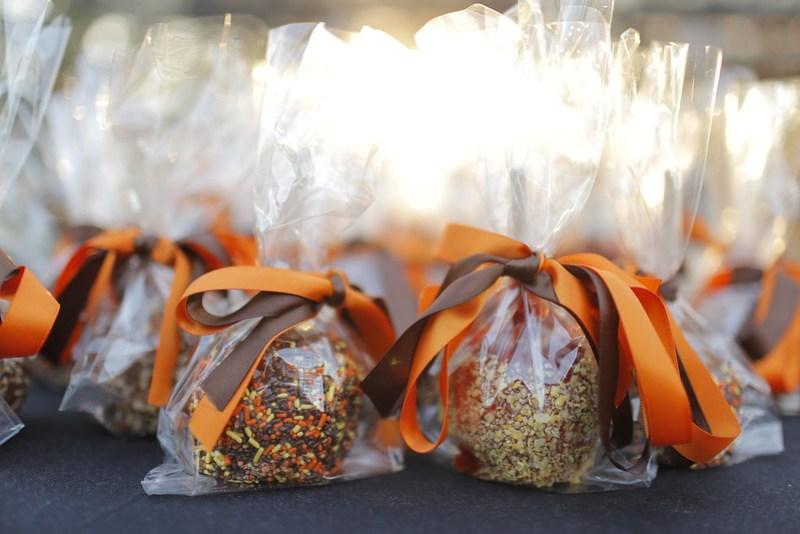 Caramel Apple fall wedding favors