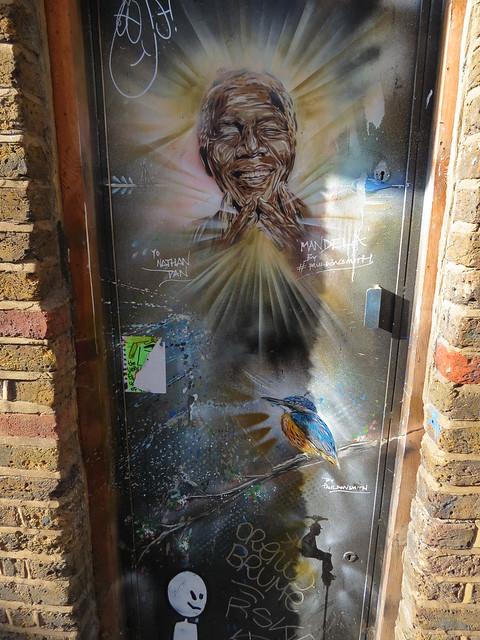 Shoreditch street art - Don