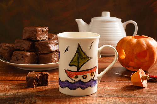 Halloween Tea by Luiz L.