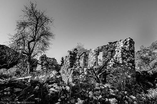 Ruins by s1nano