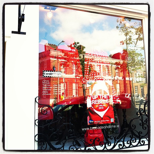 #Cork colors in the front window of Brocade & Lime #corcaighabu #allireland #red