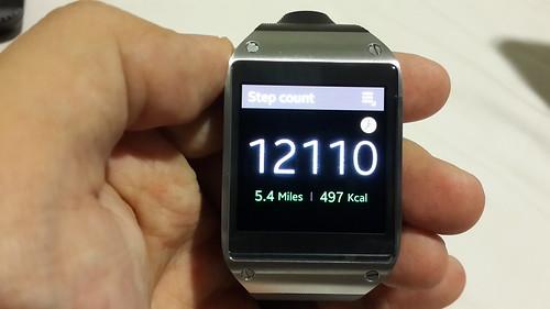 Pedometer app บน Samsung Galaxy Gear นับจำนวนก้าวที่เราเดิน