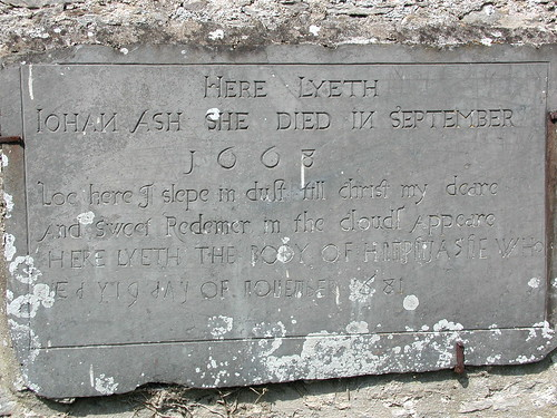 2004042527_grave stone