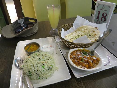 meal at ananda bhavan, singapore airport