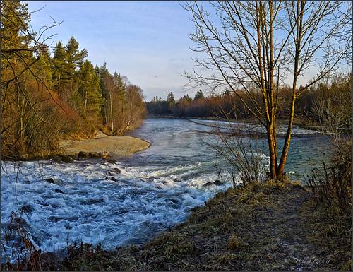 Weg überm wilden Wasser