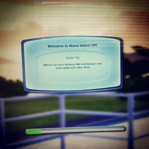 #100happydays I get to finally play some @thesimsofficial using @simsupply's world #AlunaIsland