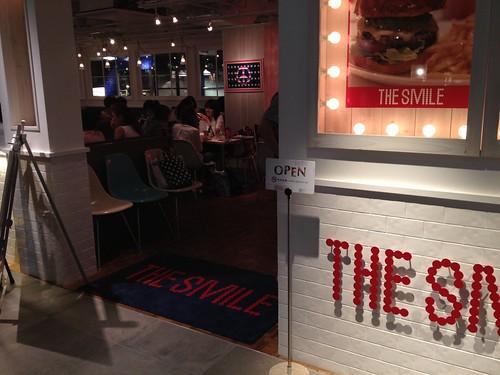 店内は女子ばかり@ザ・スマイル