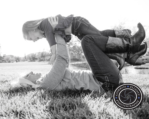Family Photo Shoot Denver Colorado by Corbin Elliott Photography