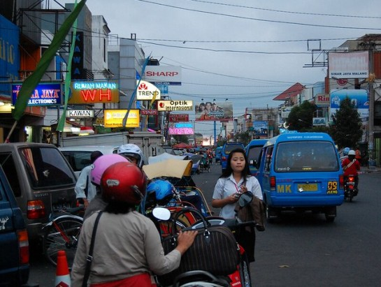 Kota Malang traffic, moving to Indonesia