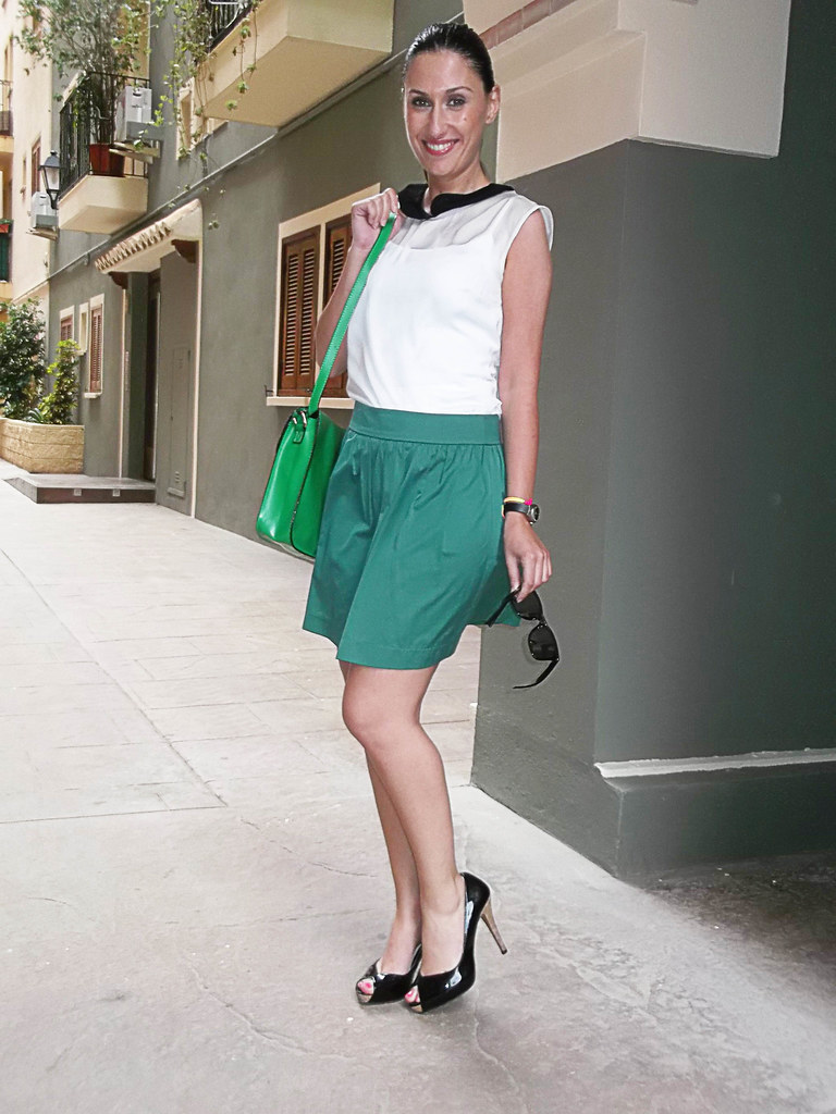 green skirt, babydoll blouse, black and white chiffon, black patent leather peep toes, cork heel and platfor,