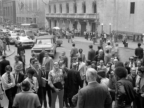 Wall Street Doomsday predictor gathers a crowd of potential believers. Wall and Nassau Street. Lower Manhattan, New York. Sept 1975.