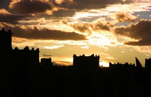 Marokko , Quarzazate, Silhouette Kasbah Taourirt vor Sonnenuntergang 9-11