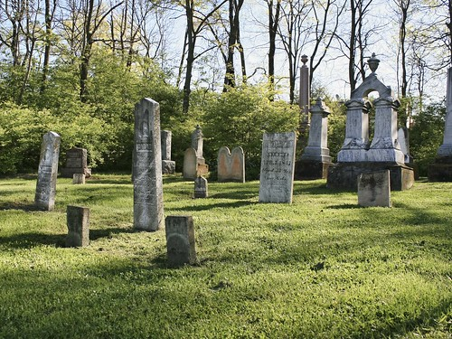Davis Cemetery, Dublin, Ohio. Photo copyright Jen Baker/Liberty Images; all rights reserved