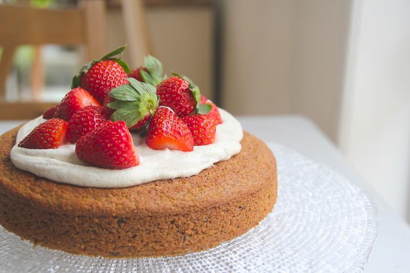 cashew cream on cake
