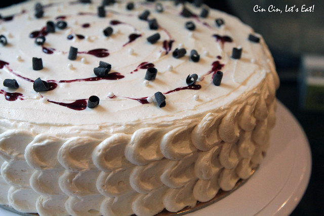 blackberry white chocolate cake 13