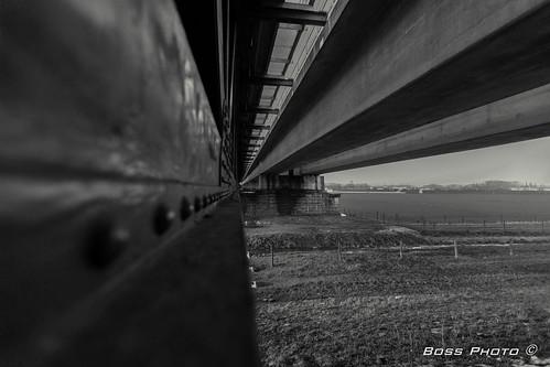 Bridge construction b&w