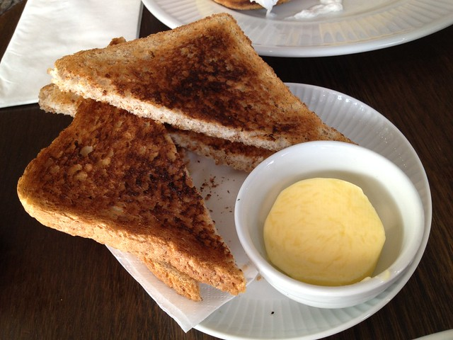 Wheat toast and butter - Cote