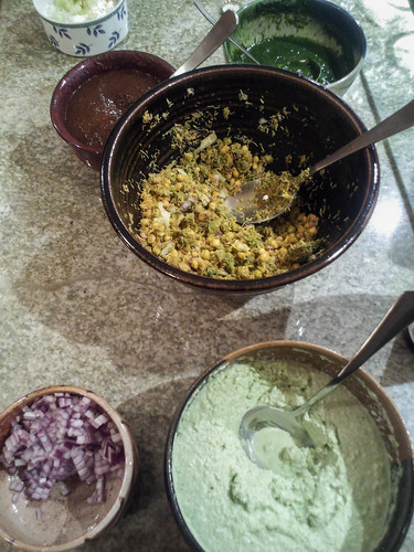 bhel puri and chutneys