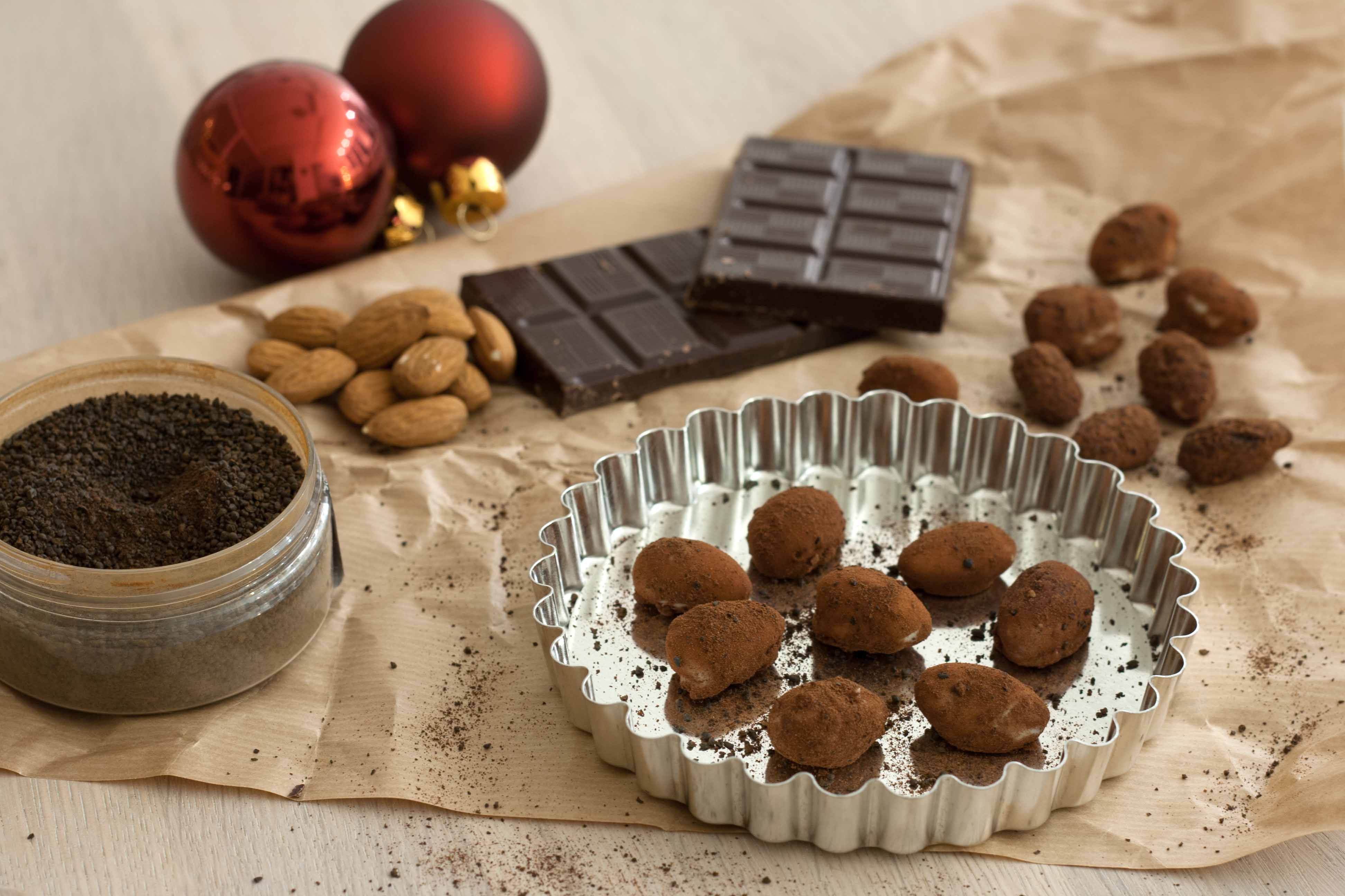 Roasted Almonds With Chocolate And Liquorice Easy Recipe