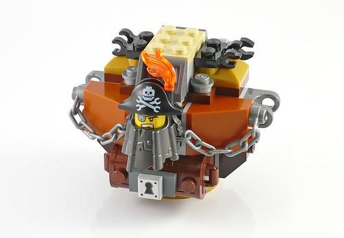 LEGO The Movie 70807 MetalBeard's Duel 13