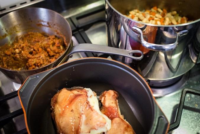 Cassoulet à la Ducasse: bonen, saus en gekonfijte eendenbouten