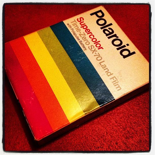 Oldschool vondst bij ouders: origineel pakje Polaroid SX70 film!