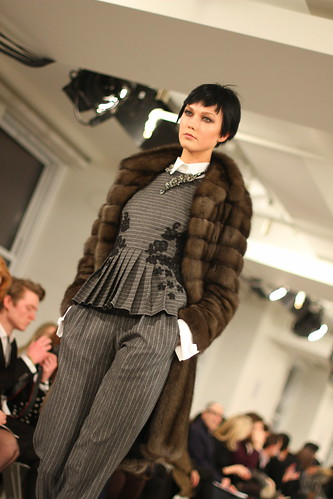 OSCAR DE LA RENTA- Fall-Winter 2014 036