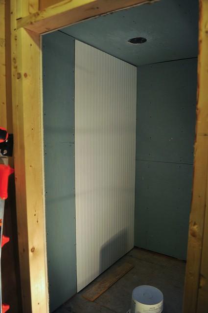 2012-02-16 Bathroom bead board 01