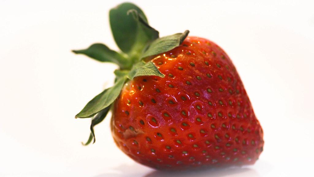 Foto gratis de una fresa roja