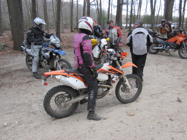 Trading bikes, me on the KTM and Chris on my DR350
